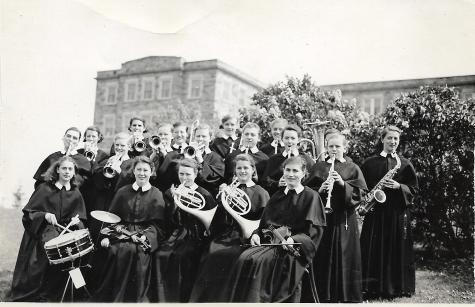 Candidates playing music in 1941